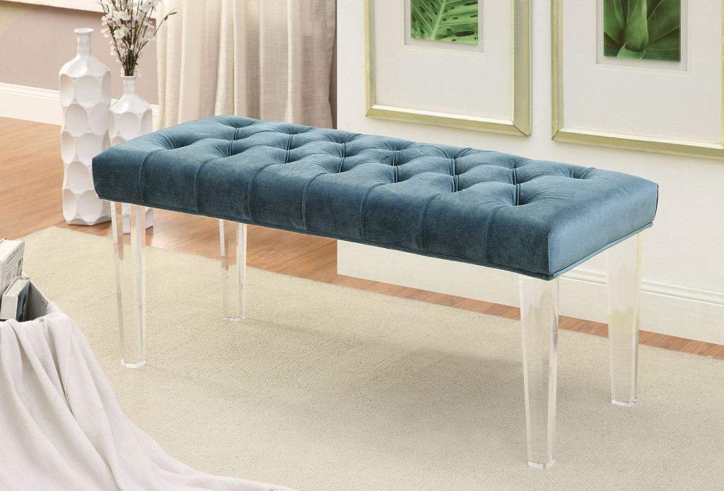 Deep tufting and soft flannelette make this bench an easy choice for those who value comfort above all.